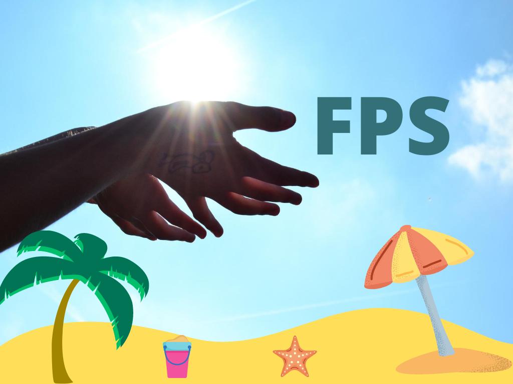 ceu azul com mãos abertas por baixo do sol com imagem a explicar o que é o fator de proteçao solar
